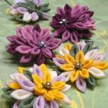 ななめ菊のアクセサリー。 クリップとか帯留とか。 2011年